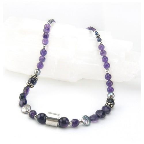 collier en améthyste et perles d'eau douce