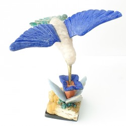 Colibri en pierre sculpée