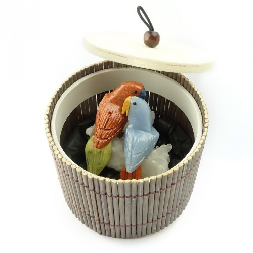 "Petits couples de perroquets ""inséparables"", quartz"