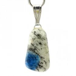 Combine la force et les qualités initiales du granit avec les qualités célestes de l'azurite
