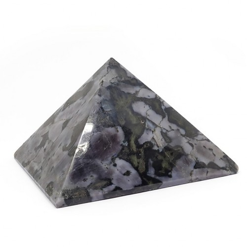 Pyramide gabbro merlinite de Madagascar