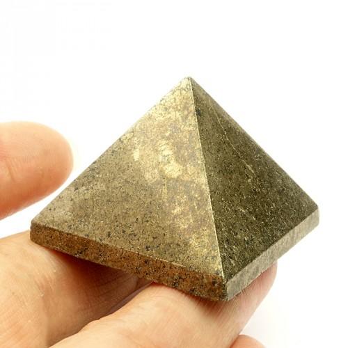 La pyrite donne une excellente mémoire et stimule les facultés intellectuelles.