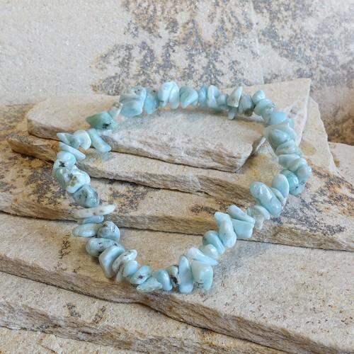 Le larimar est un cristal de sérénité, favorisant la détente dans tous les aspects. Utilisez la comme pierre de quiétude.