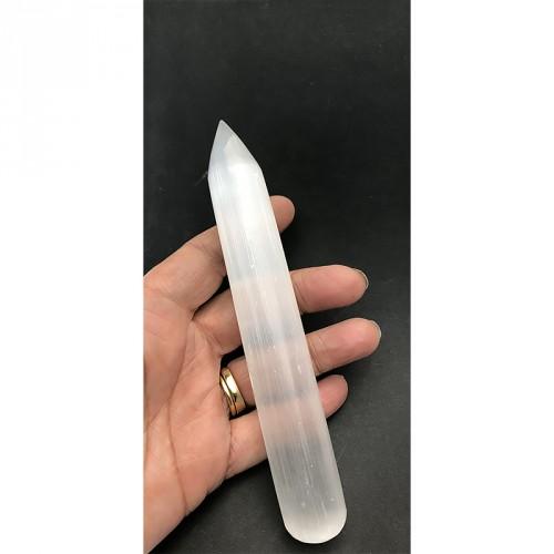 beau cristal translucide qui évoque les énergies de guérison et de protection.